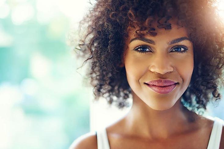 Femme qui souri